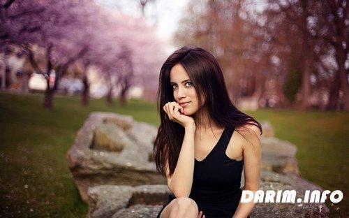 фото с сайта re:девушек брюнеток.